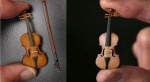 Cea mai mică vioară din lume, vândută pentru 1000 de lire sterline